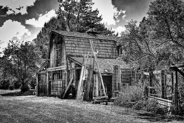 Photograph - Vic's Old Barn II by David Patterson