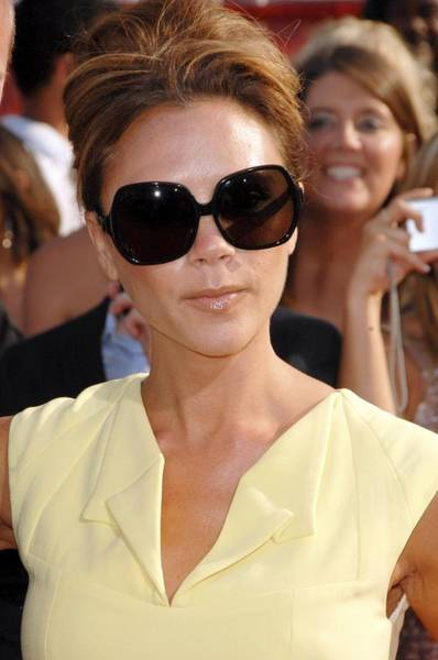 Nokia Photograph - Victoria Beckham At Arrivals by Everett