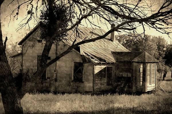 Photograph - Vintage Farmhouse by Sarah Broadmeadow-Thomas