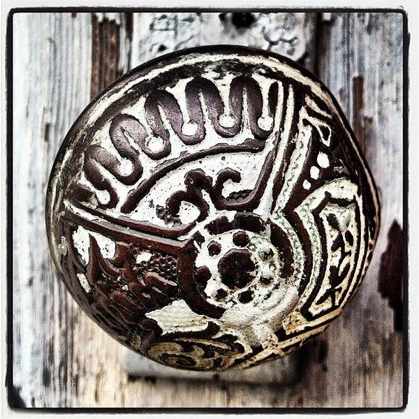 Power Wall Art - Photograph - Vintage Knob by Ken Powers