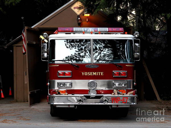 Photograph - Yosemite California Fire Engine . 7d6142 by Wingsdomain Art and Photography