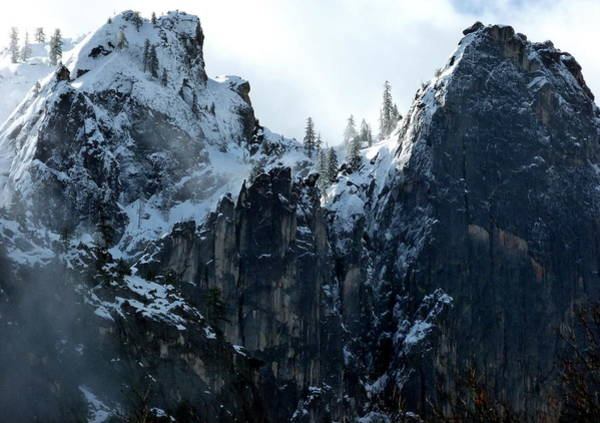 Photograph - Yosemite Snow Covered Cliffs by Jeff Lowe