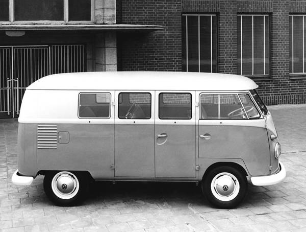Wall Art - Photograph - 1960 Volkswagon Microbus by Underwood Archives