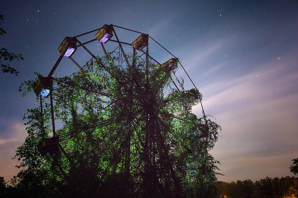 Photograph - Abandoned Ferris Wheel by Travis Rogers