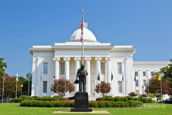 Call Building Photograph - Alabama State Capitol Building by Ohad Shahar