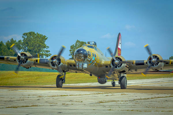Photograph - Boeing B-17g Flying Fortress   by Jack R Perry