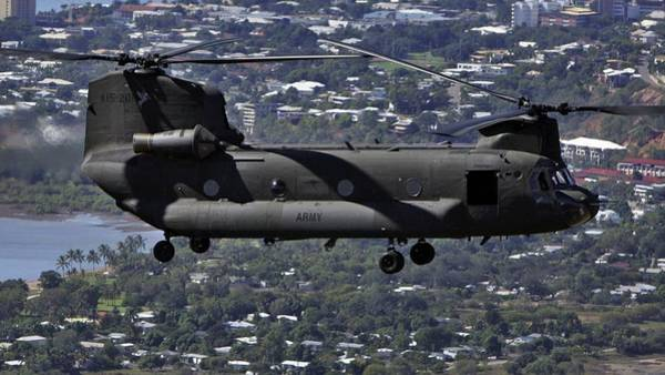 Chs Digital Art - Boeing Ch-47 Chinook by Bert Mailer