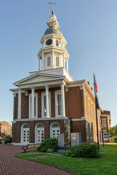 Photograph - Danville Kentucky Courthouse by Sharon Popek