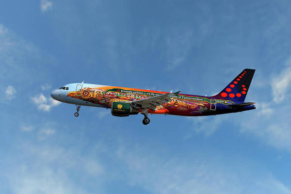 Airline Wall Art - Photograph - Brussels Airlines Airbus A320-214  by Smart Aviation