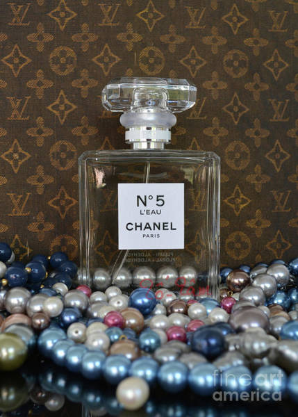 Wall Art - Photograph - Chanel No 5 L'eau 3 by To-Tam Gerwe