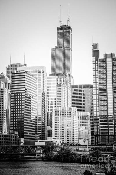 Chicago With Sears Willis Tower In Black And White Art Print