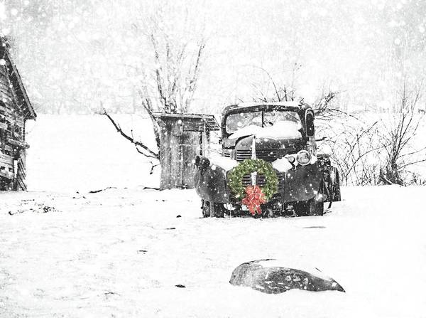 Wall Art - Photograph - Christmas Truck by Benanne Stiens