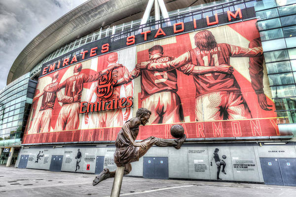 Wall Art - Photograph - Dennis Bergkamp Statue Emirates Stadium by David Pyatt
