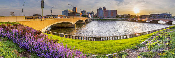 Wall Art - Photograph - Des Moines From The River by Twenty Two North Photography