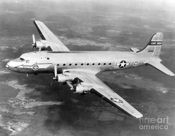 Wall Art - Photograph - Douglas C-54 Skymaster, 1940s by Science Source