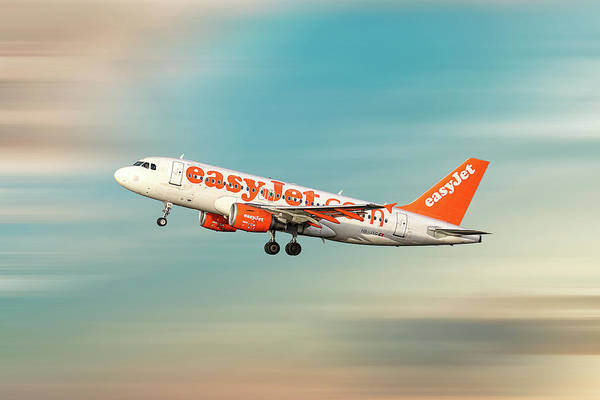 Easyjet Wall Art - Mixed Media - Easyjet Airbus A319-111 by Smart Aviation