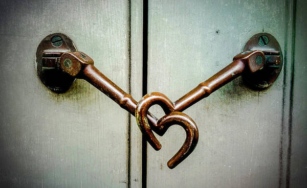 Photograph - Heart Latch by Jeff Kurtz
