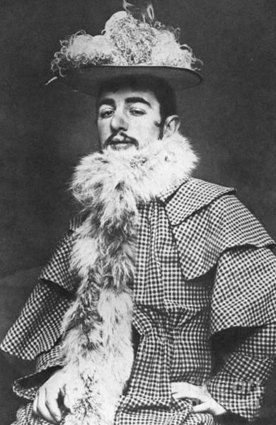 Photograph - Henri De Toulouse-lautrec by Granger
