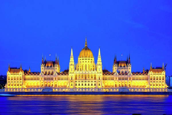 Photograph - Hungarian Parliament Building by Fabrizio Troiani