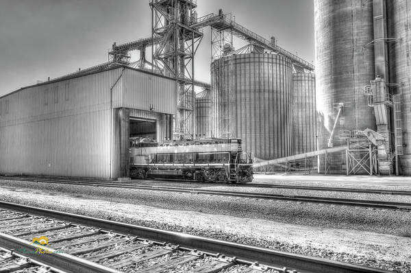 Photograph - Industrial Switcher 5405 by Jim Thompson