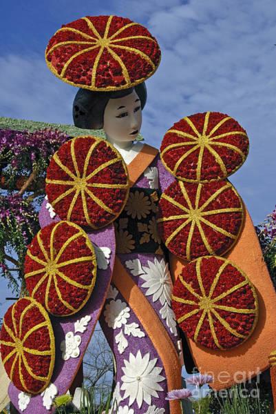Tournament Of Roses Photograph - Japanese Geisha by David Zanzinger
