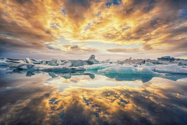 Photograph - Jokulsarlon Sunset by James Billings