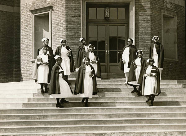 Wall Art - Photograph - Lincoln School For Nurses by Underwood Archives