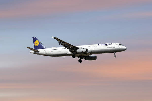 Airliner Mixed Media - Lufthansa Airbus A321-231 by Smart Aviation