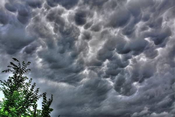 Photograph - Mamantus Clouds by David Matthews