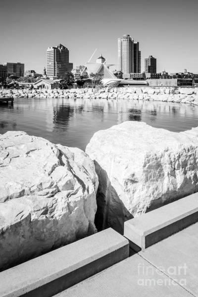 Milwaukee Art Museum Photograph - Milwaukee Skyline Black And White Picture by Paul Velgos