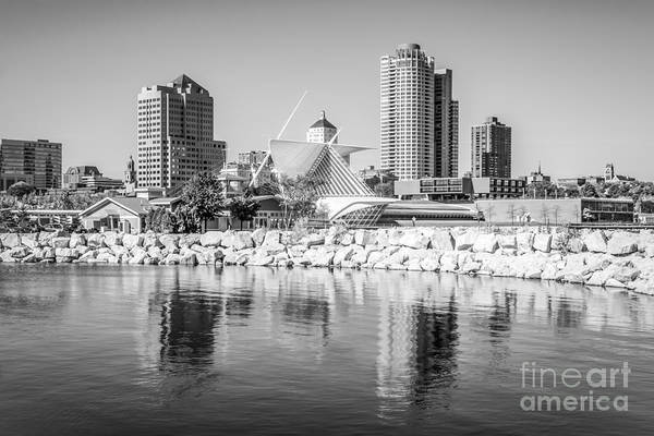 Milwaukee Art Museum Photograph - Milwaukee Skyline Photo In Black And White by Paul Velgos