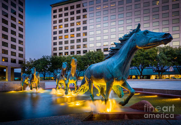 Water Fountain Photograph - Mustangs At Las Colinas by Inge Johnsson