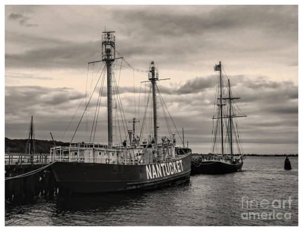 Photograph - Nantucket Lightship by Jeff Breiman