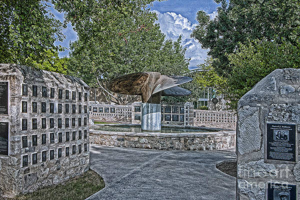 Photograph - Nimitz Prop Fountain by Sam Stanton