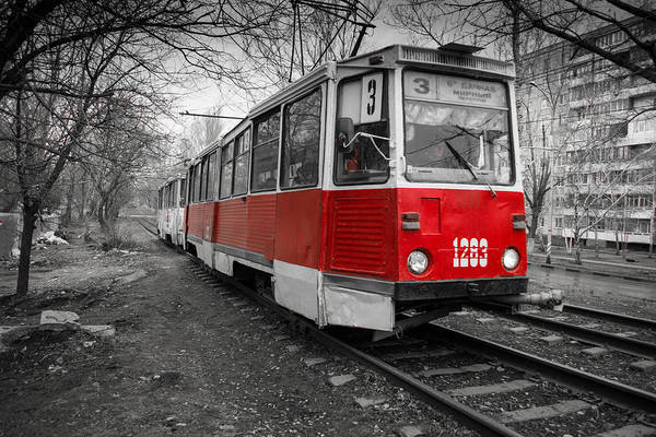 Photograph - Old Red Tram by John Williams