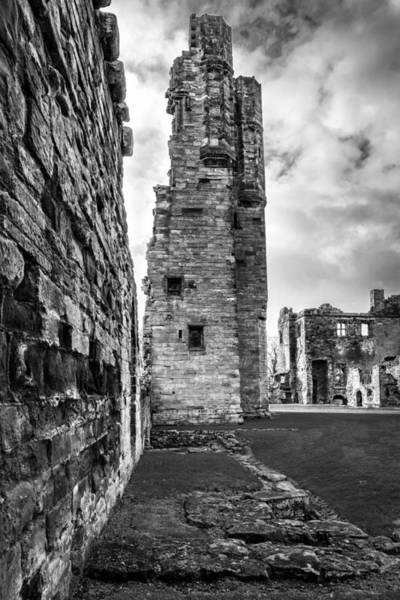 Ivanhoe Photograph - Olde English Castle by Nick Bywater