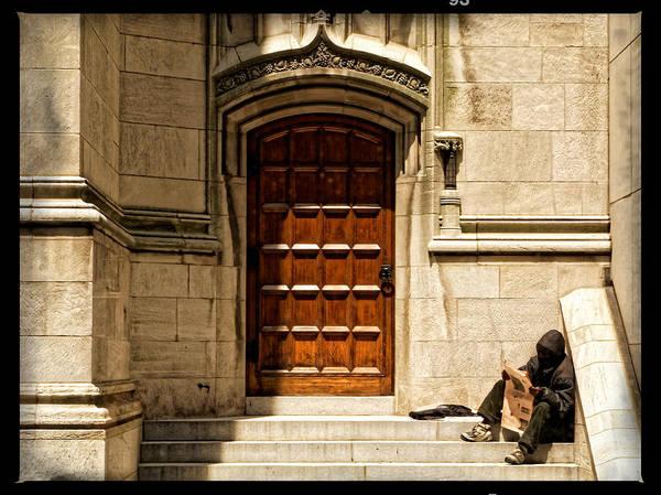 Photograph - On The Doorstep by Lars Lentz