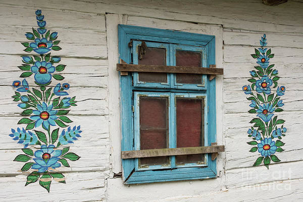 Wall Art - Photograph - Painted Cottage by Juli Scalzi