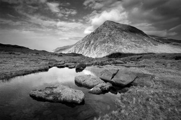 Photograph - Pen Yr Ole Wen From Cwm Idwal by Peter OReilly