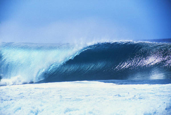Wall Art - Photograph - Perfect Wave At Pipeline by Vince Cavataio - Printscapes