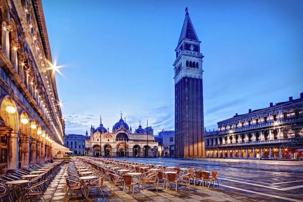 Photograph - Piazza San Marco At Dawn - Venice by Barry O Carroll
