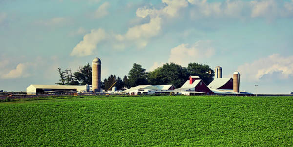 Feedlot Photograph - Picturesque Amish Iowa Farm by L O C
