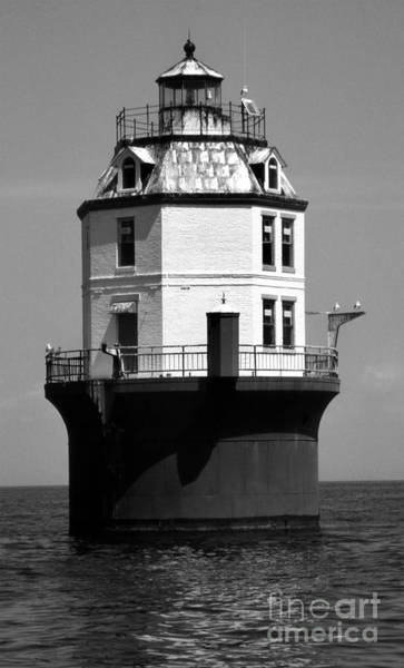 Wall Art - Photograph - Point No Point Lighthouse Md by Skip Willits