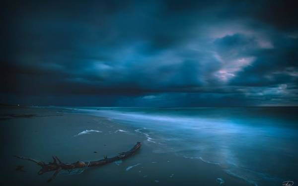 Water Digital Art - Sky by Maye Loeser