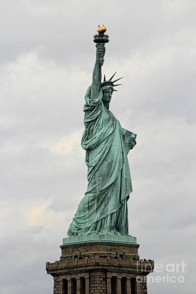 Richard Morris Hunt Wall Art - Photograph - Statue Of Liberty by Doc Braham