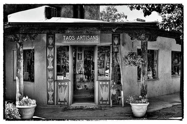 Photograph - Taos Artisans Gallery by David Patterson