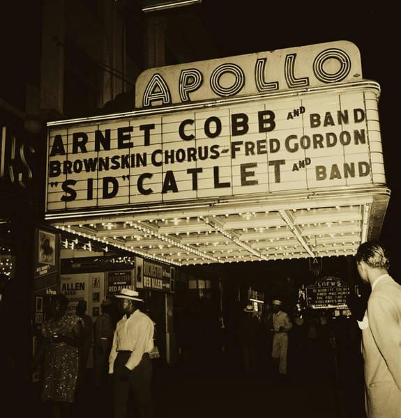 Wall Art - Photograph - The Apollo Theatre - 1946 by William Gottlieb