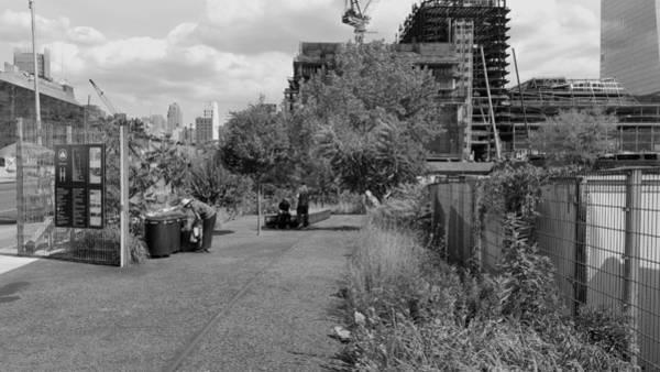 Deck Digital Art - The High Line 203 by Rob Hans