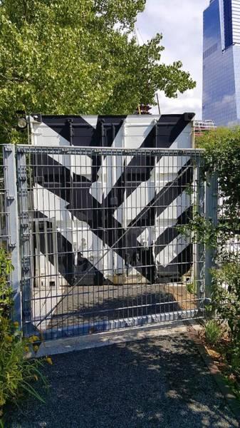 Deck Digital Art - The High Line 204 by Rob Hans