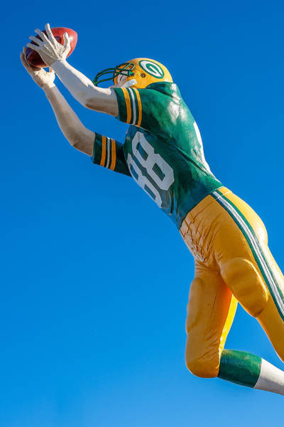 Bay Of Green Bay Wall Art - Photograph - The Receiver  by Todd Klassy